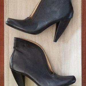 Seychelles black open front booties size 10